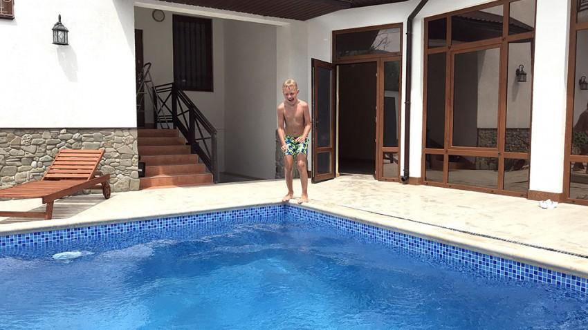 hotel-kontinent-sauna-pool-11